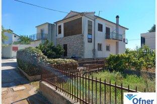 Haus mit zwei Wohnungen in Bibinje bei Zadar