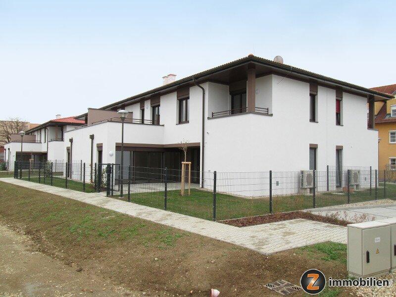 Jennersdorf: Modernes Quattrohaus in zentraler Ruhelage