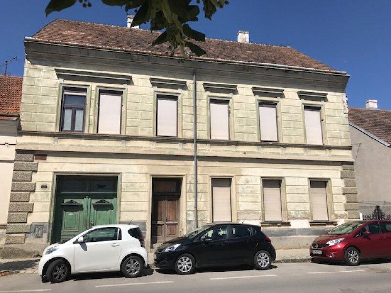 Renovierungsbedürftiges, kleines Zinshaus mit Potential in Hohenau an der March