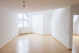 Geräumige 124 m2 große Dachgeschoss Maisonette in Grünruhelage mit Swimmingpool! Nähe Vetmeduni Wien