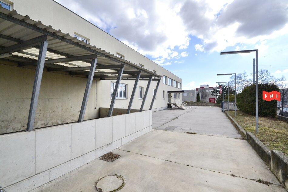 Betriebsliegenschaft mit multifuntionaler Lagerhalle im Industriegebiet Oberlaa