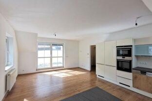 DB Immobilien  -  3 Zimmer-Dachgeschosswohnung mit Terrasse an der Wiener Stadtgrenze !!!
