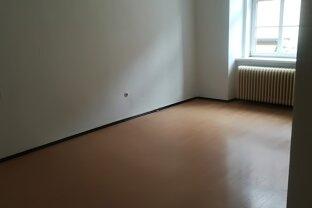 Baden Fußgängerzone Superchance: Gepflegte 2 Zimmer plus Wohnküche - unbefristeter Mietvertrag möglich